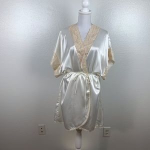 Vintage Val Mode Satin and Lace Robe